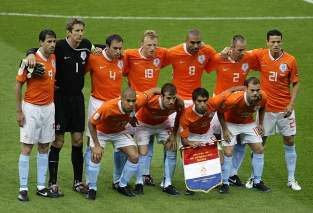 巨星今何在:2008年欧洲杯击溃法国的荷兰队