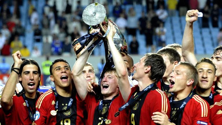 问答日报:为何英格兰和德国在大赛表现差别如此之大?