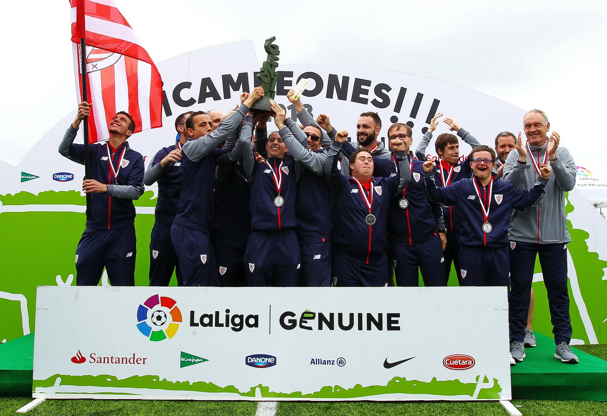西班牙足球甲级联赛积分榜_法国足球甲级联赛_西班牙足球甲级联赛  张乐