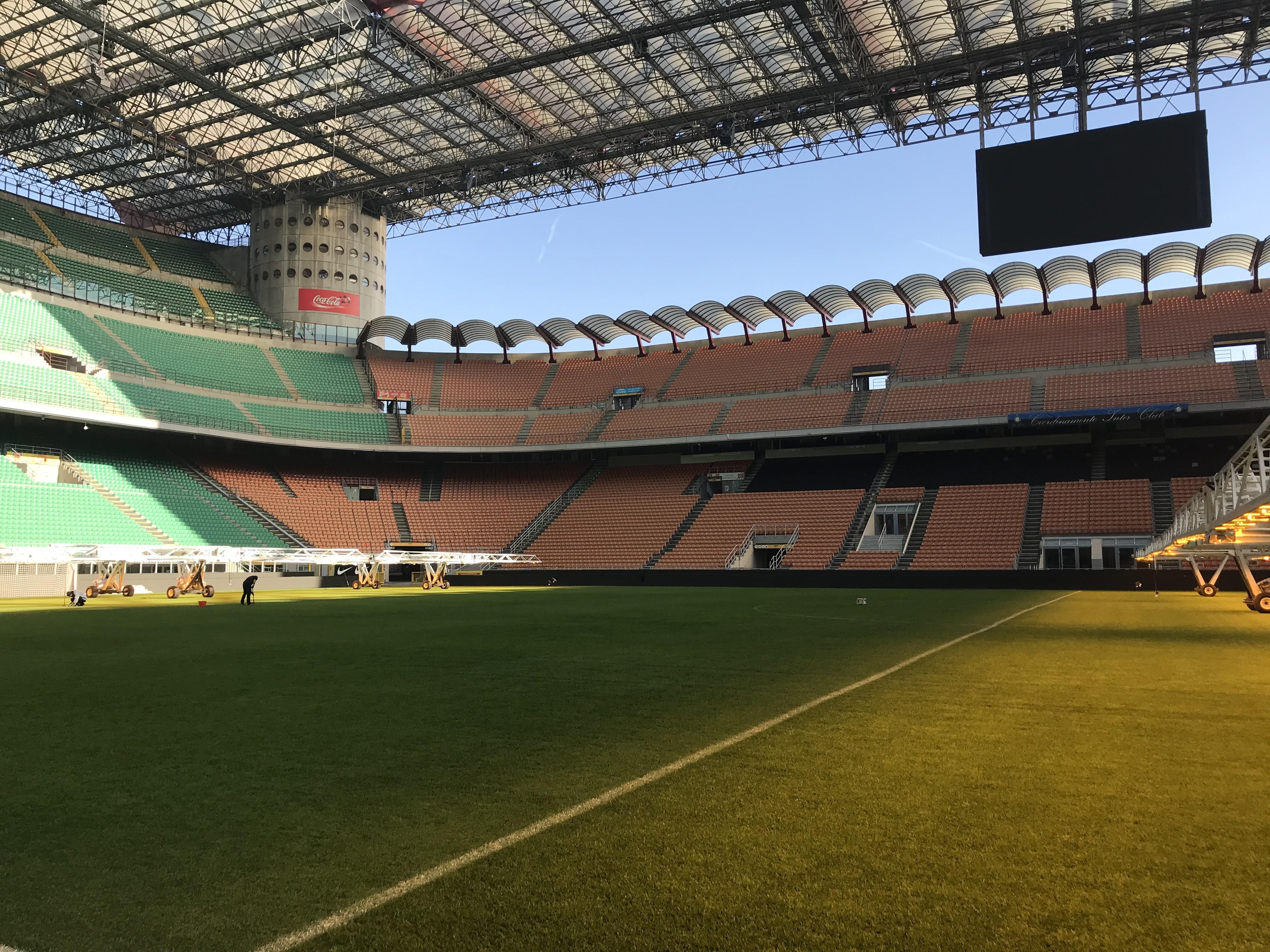 非米蘭球迷打卡足球圣地--圣西羅/梅阿查球場圖片