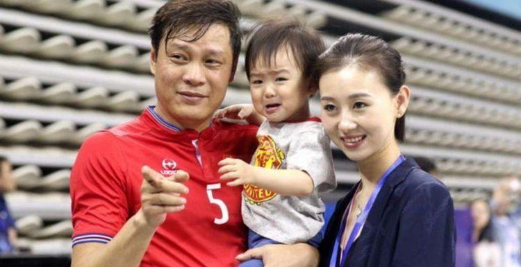 应该说,郝海东比范志毅资历更高一些,他是中国足协主席最大热门了.