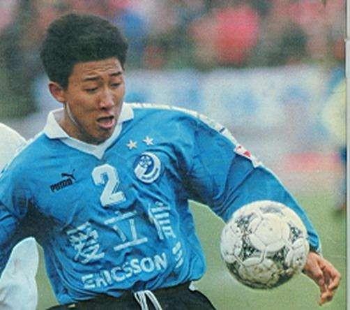 《中国足球列传》4:后防大将定乾坤,双料队长情最真
