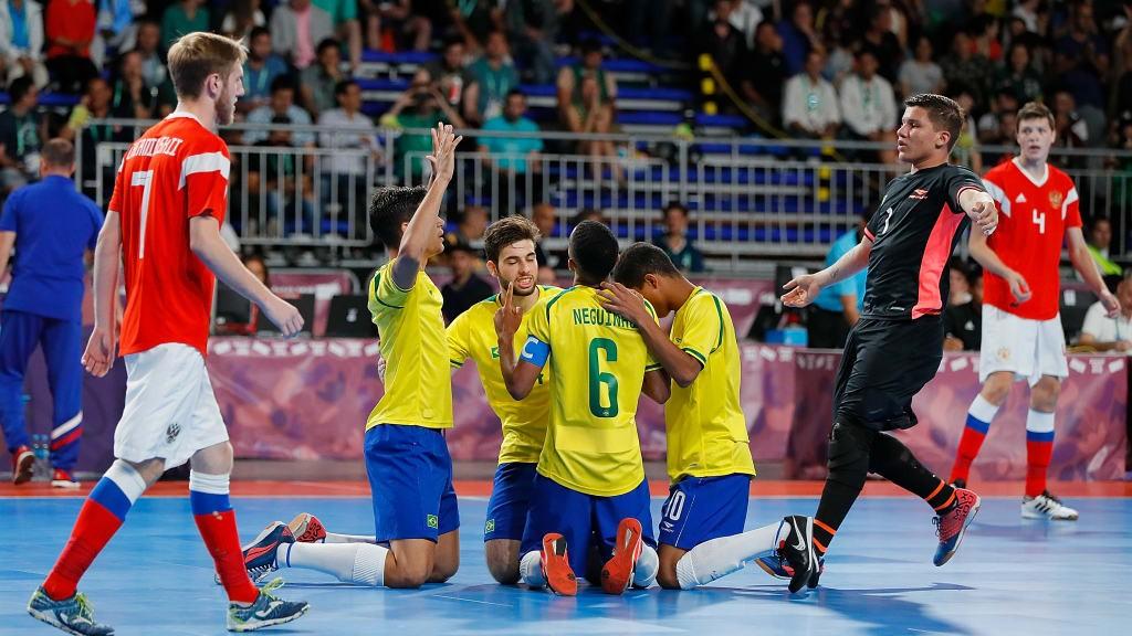 5人制盲人足球_巴西5人制足球_11人制足球