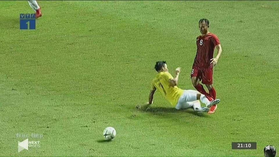 足球 消极比赛_香港足球明星队比赛_小学生足球比赛