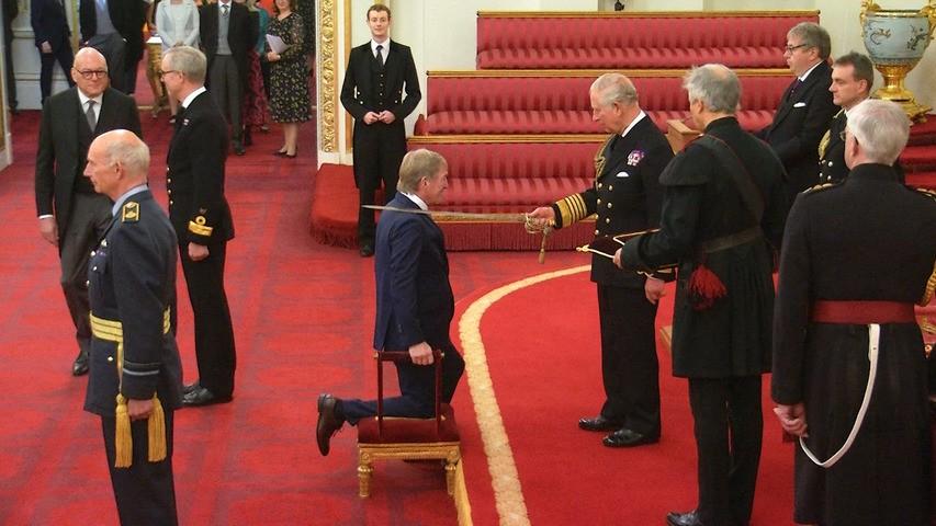 封爵,达格利什正式成为爵士