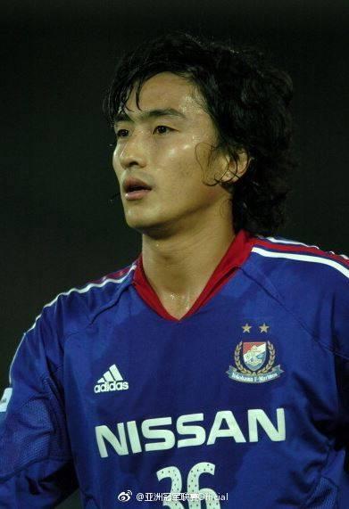 安贞焕是第一位登陆意甲的韩国球员。今天是他43岁...