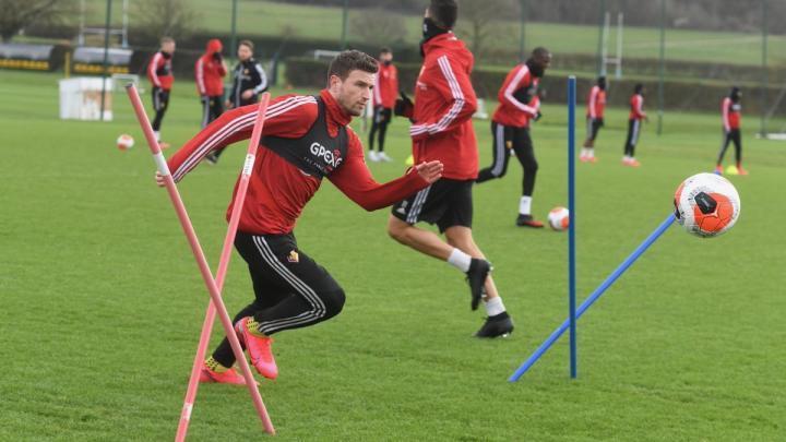 好消息!去年11月膝盖受伤的荷兰右后卫扬马特恢复...