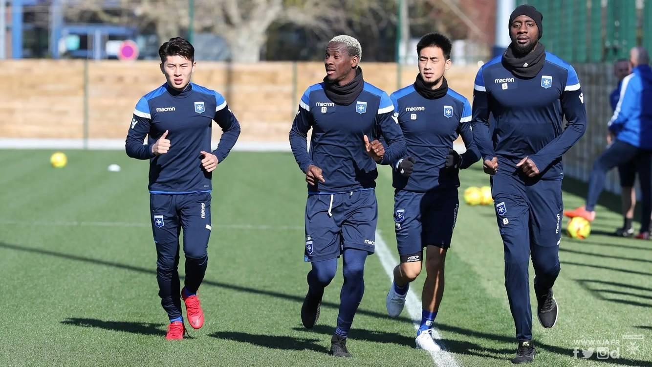 季骁宣抵达法国欧塞尔,马不停蹄开始跟队合练