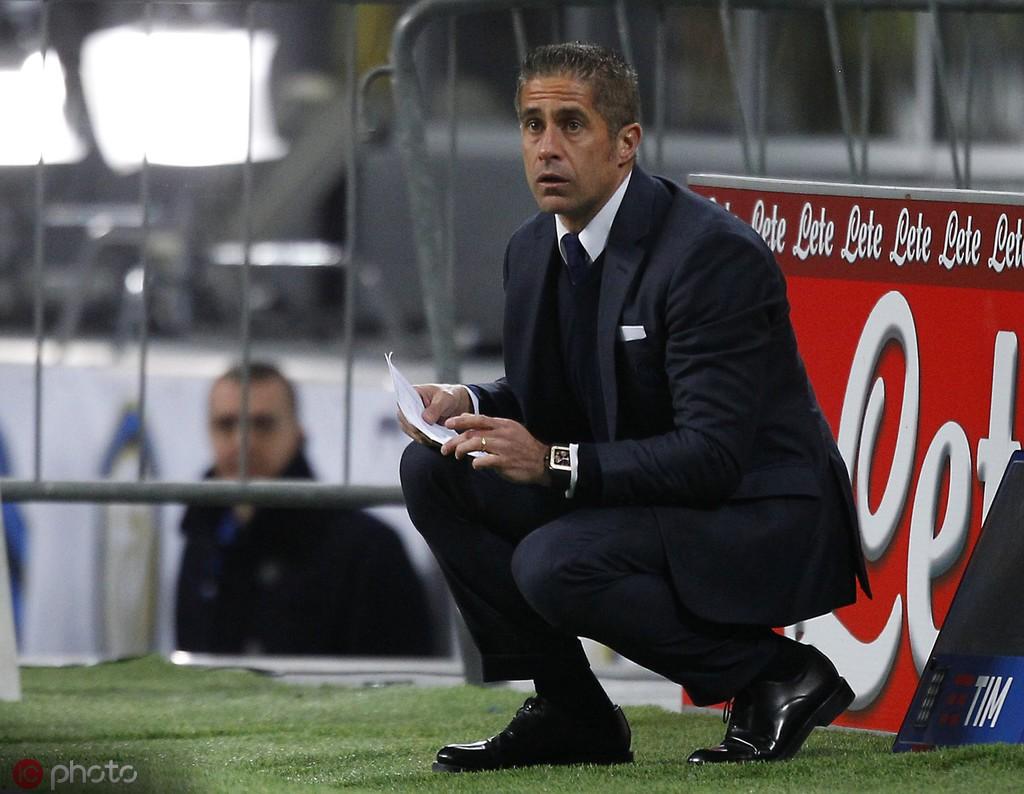 多家法媒证实:巴萨旧将西尔维尼奥即将成为里昂的新主帅