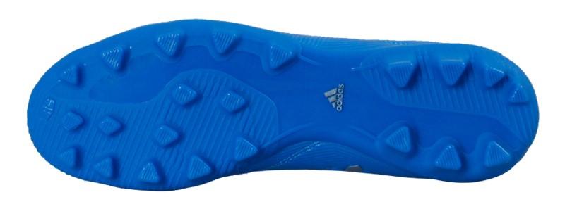 朴锻练为我们评测!入门级AG球鞋:梅西164 VS ACE 163