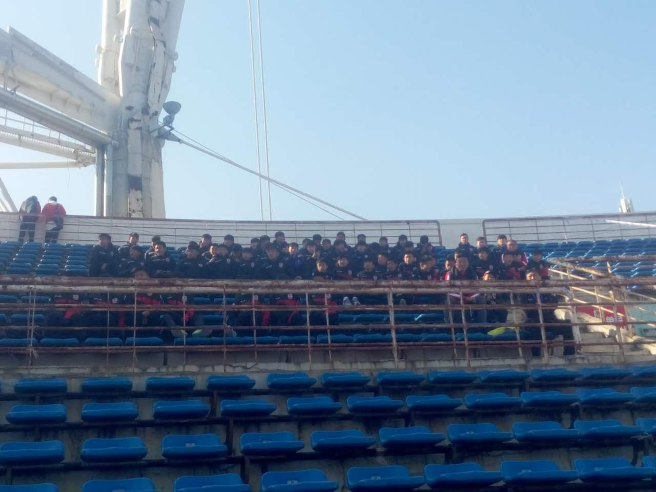 长春亚泰为青训机构和校园足球开设看台 牵手