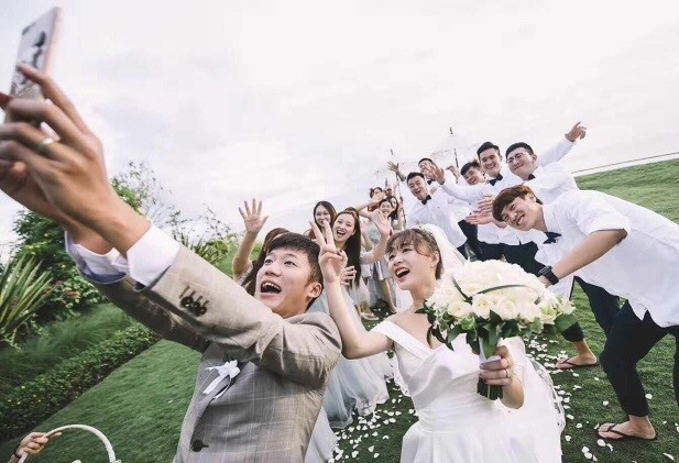 苏宁球员去哪儿:吴曦夫妇尬舞张晓彬携未婚妻拍唯美婚纱照