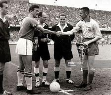 1958年瑞典世界杯:华丽巴西破魔咒,世界杯首冠