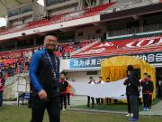 25年前,他攻入了中国职业联赛历史上的首个进球