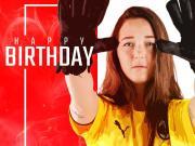 祝弗兰切斯卡-赞齐24岁生日快乐!
