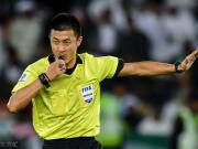 接轨国际,他们是中国足球第一批职业裁判