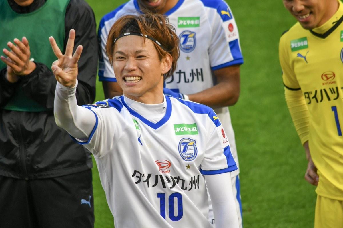 从丙级到甲级连续三年首轮进球,日本前锋攻破鹿岛球门创奇迹