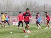 姜至鹏、尹鸿博、马尔康回归训练场。