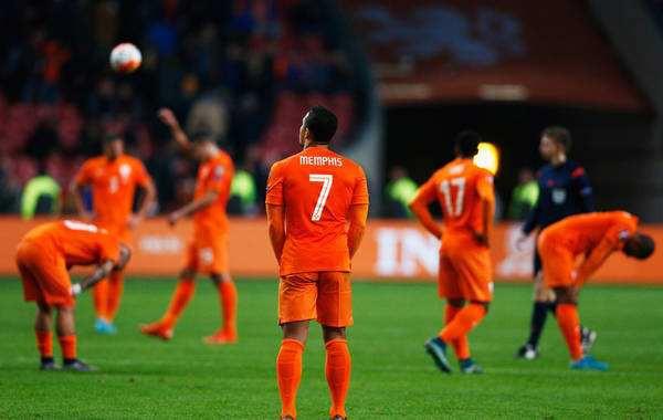 国际足球:就像是西姆-德容和巴佐尔