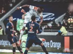 吉鲁接班人,又一个登贝莱:里昂的法国中锋穆萨-登贝莱