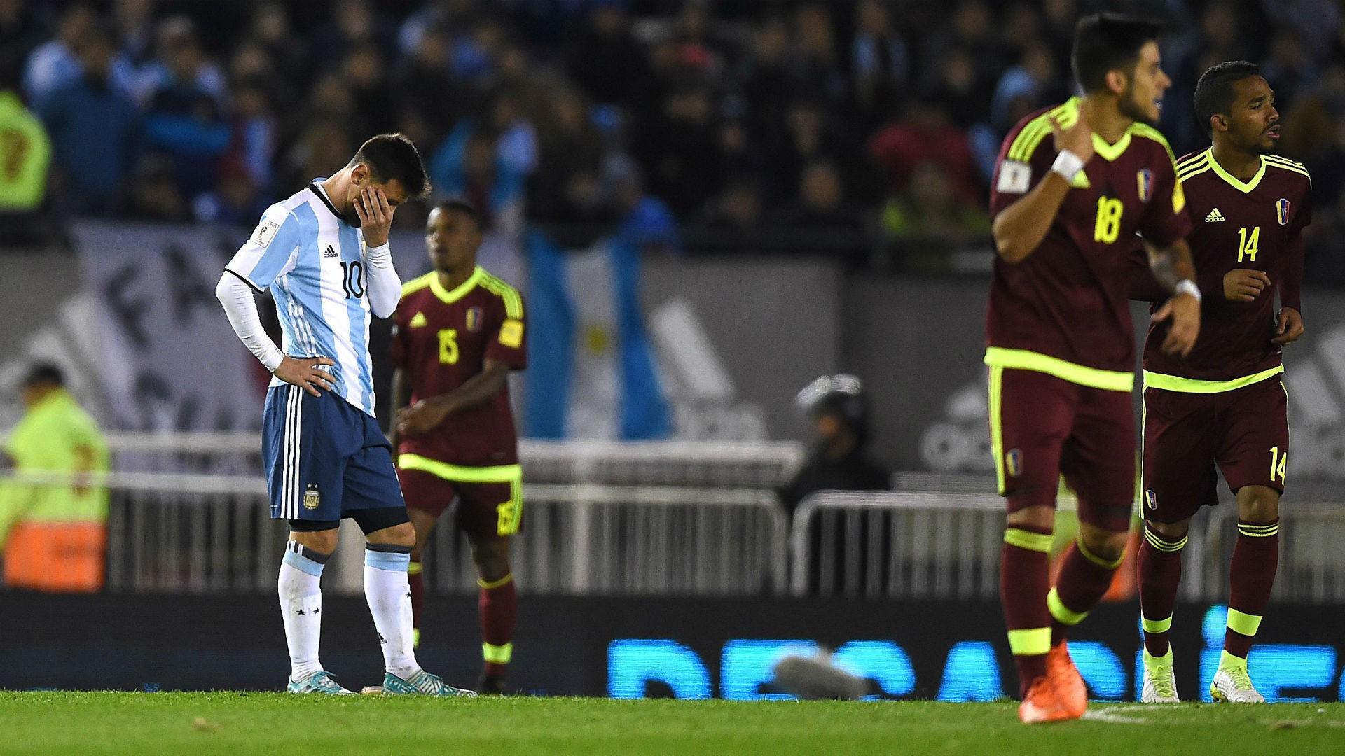 梅西回到国家队那些批评他的名宿也跟着