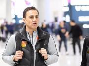 机场直击:恒大国脚、卡帅及其教练团队返粤开