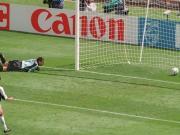 颜骏凌的这个失误,有点类似98年世界杯的苏比萨