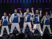 在昨夜米兰进行的演唱会上,TheBackstre...