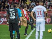 昨晚的保級生死戰,摩納哥2-0擊敗亞眠,開球嘉賓...