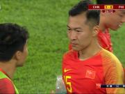 两球击败菲律宾新国足开门红,老队长场边指点