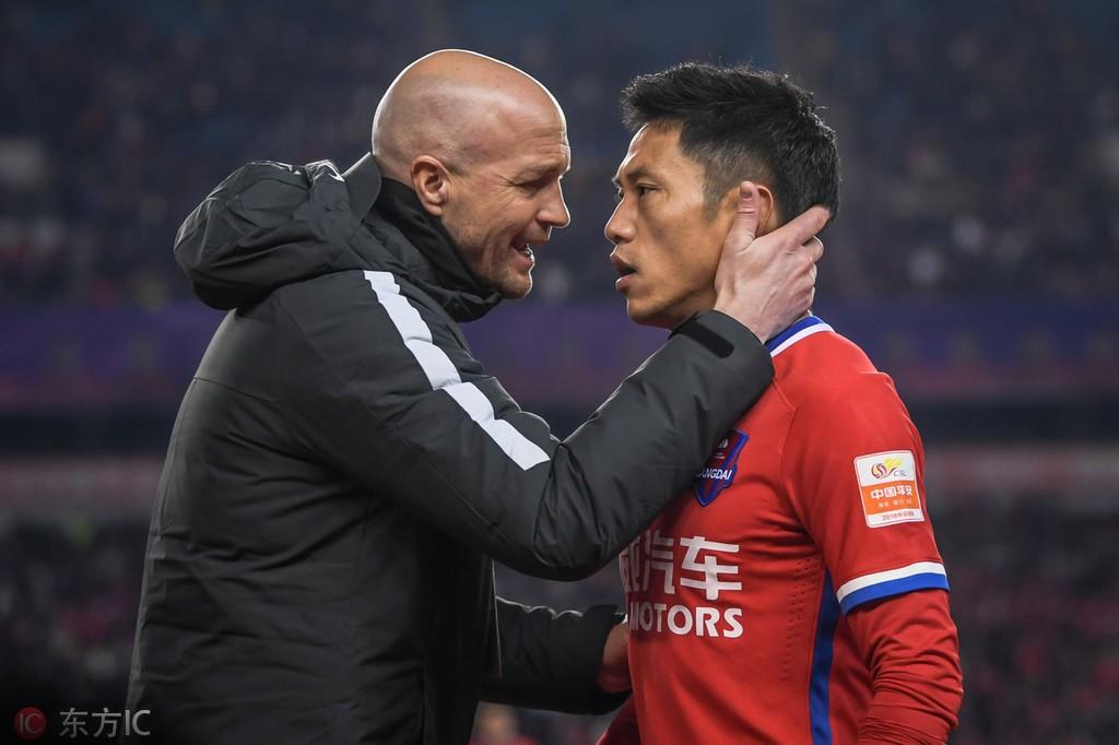 小克鲁伊夫:中国年轻球员渴望学习;中国足球要