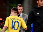 上一场比赛梅开二度后,科诺与主教练的拥抱!