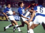30年前的今天,我们捧起了球队历史上第一座意大利...