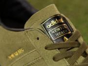 """阿迪达斯为曼联推出""""Newton Heath""""限量版球鞋"""