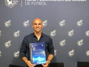 恭喜坎比亚索拿到了欧足联职业教练证书!