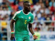 在今天凌晨的非洲杯小组赛第一轮中,萨内所在的塞内...