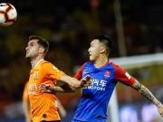 汉话解说实录:这个年轻的裁判把武汉重庆的比赛弄得支离破碎