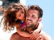 昨天是法布雷加斯小女兒Capri的生日,小法也第...