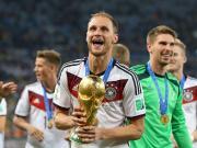 5??年前的今天我们的队长和德国队一起站在世界之...