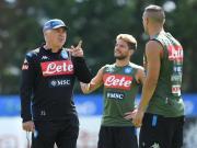 那不勒斯俱乐部在特伦蒂诺的夏训进入了第12日,距...