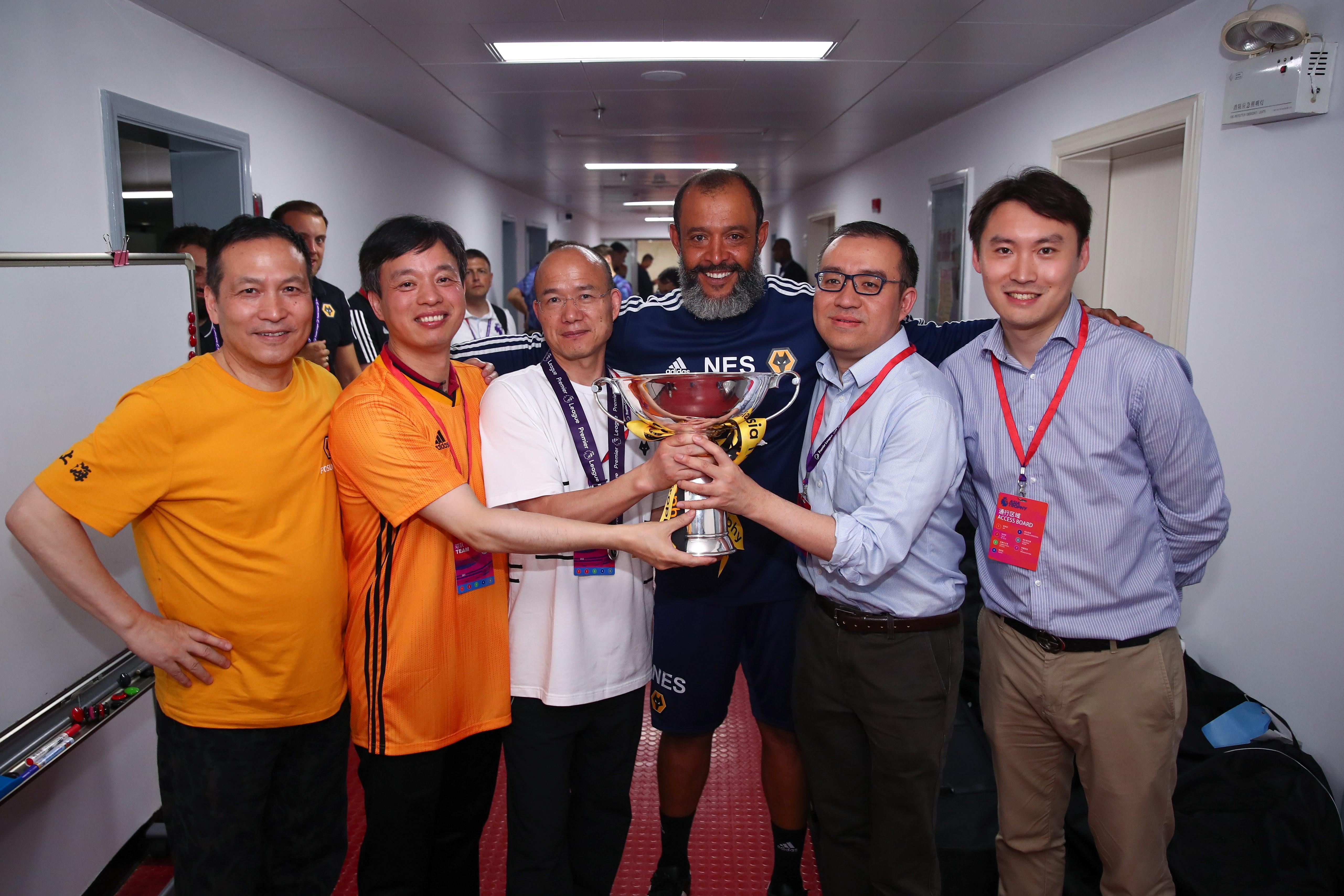在复星的家门口赢得英超亚洲杯冠军!
