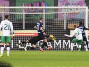国米0-0萨索洛各项赛事三连胜终结,汉达诺维奇两度献神扑