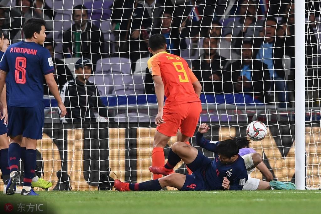 中泰之战图集:国足逆转泰国晋级八强,为小伙子们欢呼吧