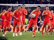 中国2-1泰国:临场调整效率奇高,边路难题考验里皮智慧
