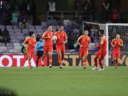 人民日报:国足让球迷有更多期待,踢伊朗需拿出硬气来