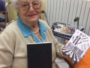 此前,一位97岁的老奶奶给C罗写了一封信。近日她...