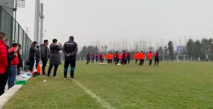 安纳普尔那球员自发训练保持状态,原计划热身陕西已取消