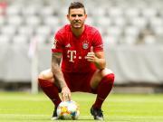 展现实力,提供变化:拜仁标王卢卡斯的德甲首秀