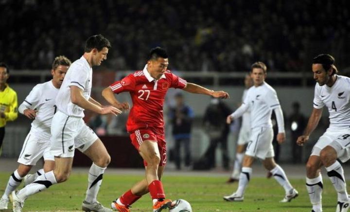 話題:國際足聯排名相差47位,國足與新西蘭現階段誰更強?
