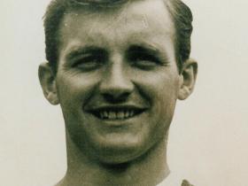哀悼,前南安普顿球员布莱恩-克里夫顿逝世,享年85岁